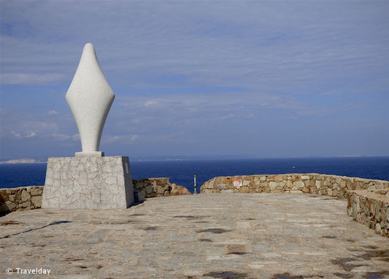 Aussichtsplattform mit Blick auf Korsika