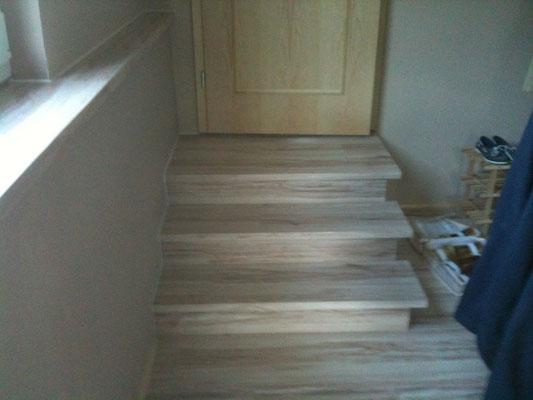 Sonderanfertigung Treppe mit laminat verblendung