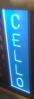 Plexiglas Logo - Fräsung mit LED Farbechsler