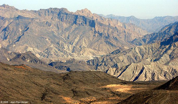 Vue sur la fen^ter d'érosion du Wadi Awf
