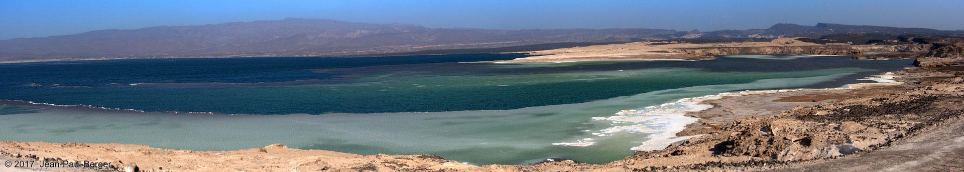 Le Lac Asal et le Rift en arrière-plan