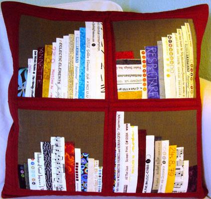 rotes Bücherkissen, individualisiert, 50x50
