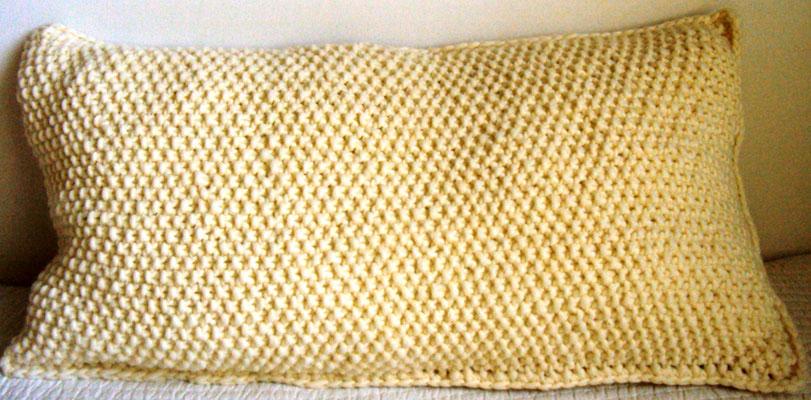 Perlmuttkissen, 40 x 80, passend zum Schal aus super chucky