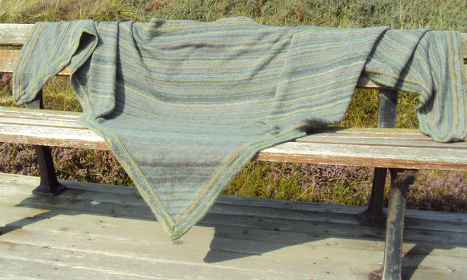 großes Dreiecktuch in grau/grün