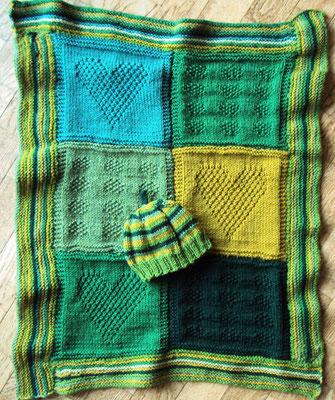 Passende Babydecke (80 cm x 60 cm) aus den Resten + Mützchen
