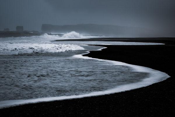 Reynisfjara Black sand Beach - Iceland © Jurjen Veerman