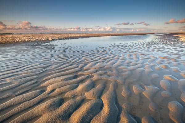 Zandstructuren in getijdenstroom - Noordzeestrand Terschelling © Jurjen Veerman