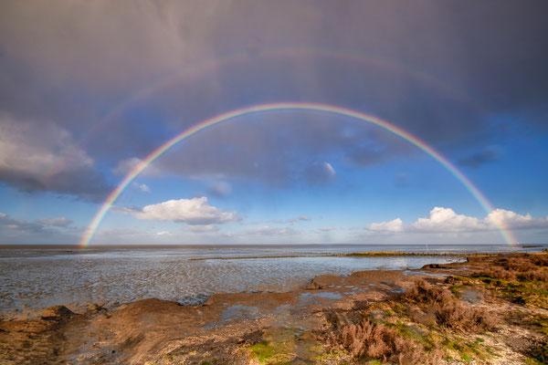 Regenboog boven het Wad - Wierum © Jurjen Veerman