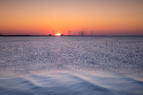 Zonsondergang Groningen Seaports © Jurjen Veerman
