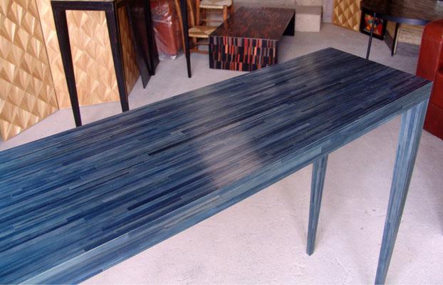 console bleu-ardoise