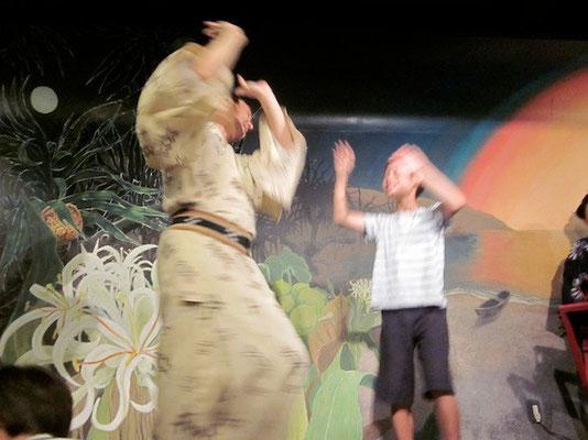 踊るヨータ