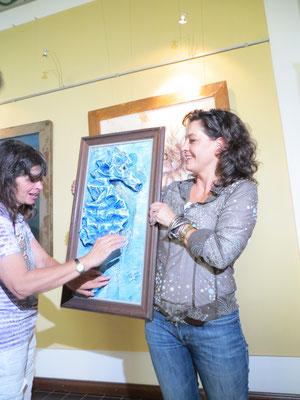 Auch blinde Menschen besuchen die Ausstellung