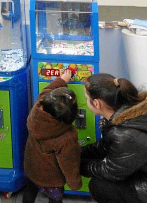 Kinderautomat Süssigkeiten