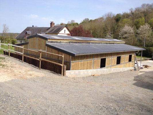 Création d'un jolie barns pour chevaux