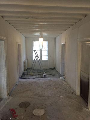 Entrée/couloir : première couche de blanc