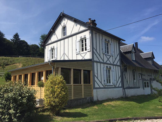 Nouvelle façade arrière du pressoir normand avec véranda