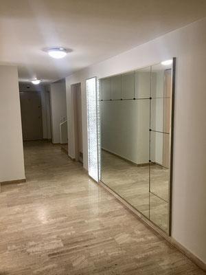 Nouveau hall B/C avec panneau lumineux