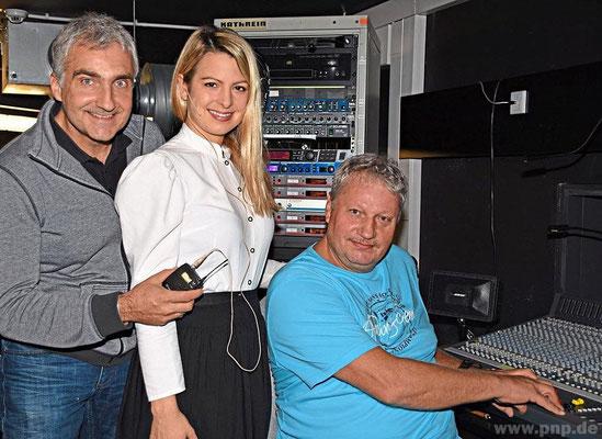 Licht- und Tonregie führten (v.l.) Christian Schmelz und Klaus Bachl.