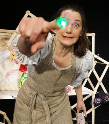 Auf der Suche nach der Dunkelheit / Kathrin Brunner/ Theater Malinka