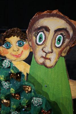 Der Teufel mit den drei goldenen Haaren / Wächter hinter Baum / Mobiles Kindertheater Berlin / Theater Malinka