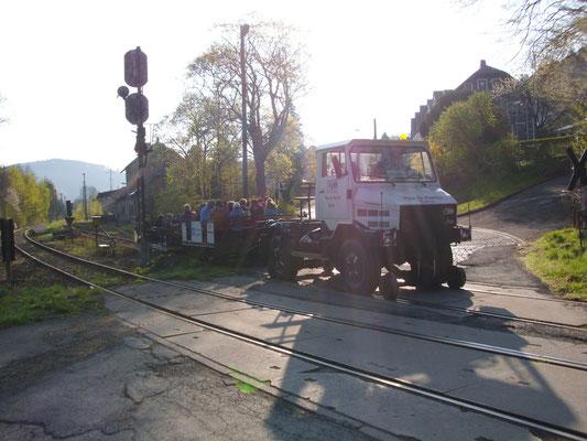 Start in Gräfenthal mit Landrätin Zitzmann, Landrat Wolfram und DRE-Chef Curth