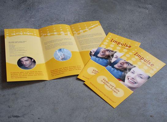 Din lang Flyer Praxis für Psychotherapie