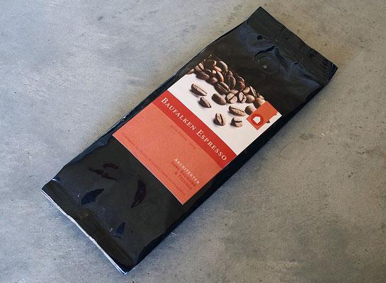 Espresso mit eigenem Label für Architekten Hans Baumann & Freunde