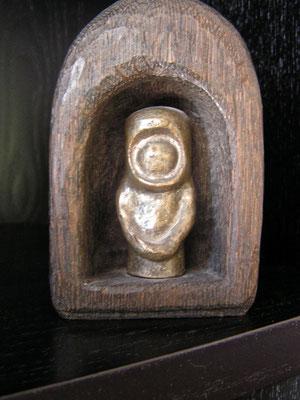 Astronaut, Bronze u. Eiche, 1974, H. ca. 8cm