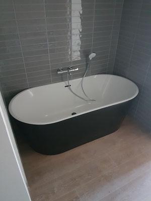 Baignoire Îlot à Rennes par nos plombiers lors de la rénovation d'un appartement complet