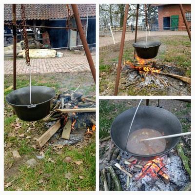 Gudi lernt draußen zu kochen!