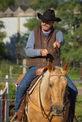 Klaus mit Funny B während eines Kurses