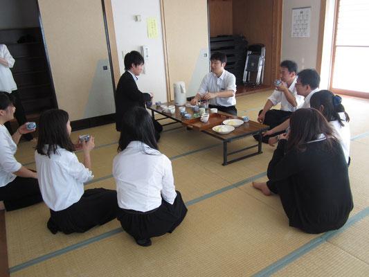 吾妻学習センターの職員の皆さんが、吾妻地区特産の梨を準備してくださいました!!(T_T)