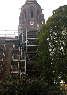Turmuhr neu gefasst und neu vergoldet, St. Marien Bad Godesberg