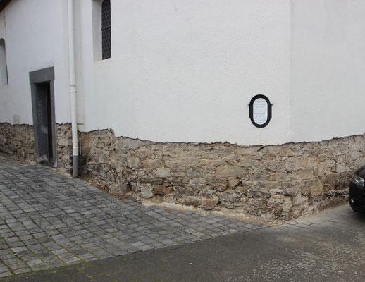 Fassade mit Sockelputzsanierung (Sanierputz)
