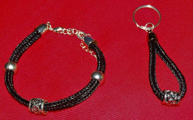 Die Kleeblätter- Beads verbinden das Armband mit dem Schlüsselanhänger.