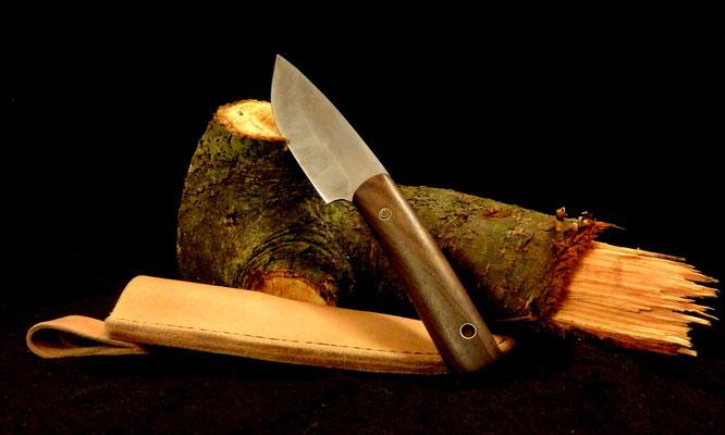 Schlankes Messer für viele Einsatzmöglichkeiten, Stahl: Wolframstahl, Griffmaterial: Ziricote