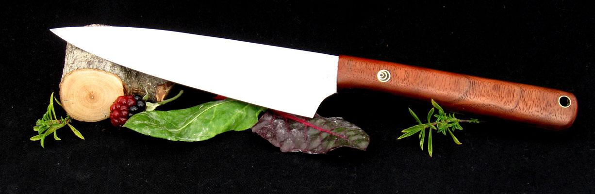 Großes, schlankes Küchenmesser, ideal für Fleisch oder Gemüse, Stahl: Wolframstahl, Griffmaterial: amerikanische Schwarznuss