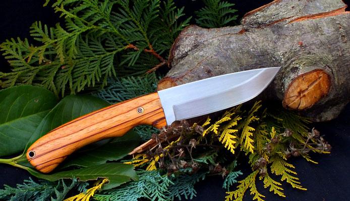 "Großes Outdoor-Messer ""Hunter"", Stahl: Kohlenstoffstahl, Griffmaterial: Zebrano und schwarzes Vulkanfiber"