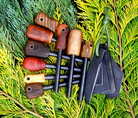 Holz- und Metallreste wurden zur Herstellung dieser praktischen Feuerstähle genutzt. Die moderne Art des Feuersteins erzeugt auch bei widrigen Bedingungen ordentlich Funken.