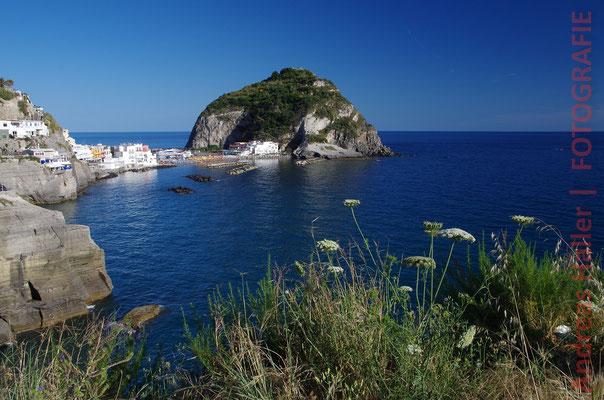 Sant'Angelo und der Marontistrand auf Ischia