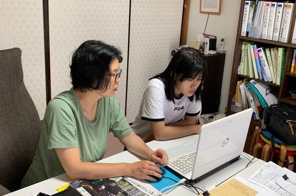 人材採用支援。当社に来るミャンマー人求職者との面談や日本企業入社前のパソコン研修の様子。