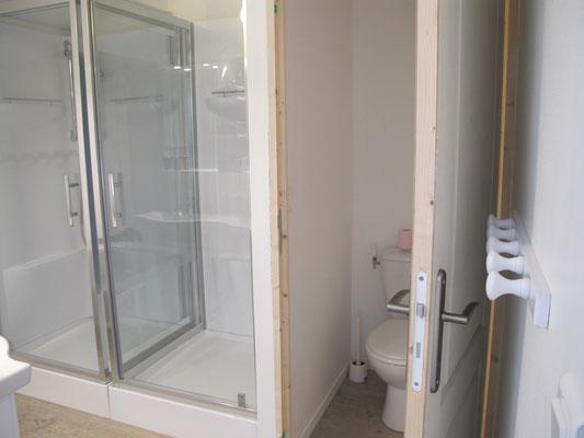 l hirondelle-bedoin-mont ventoux-3chambres-rando-3 salle de bain privée-8 personnes-climatisé-vaucluse-rando-gite