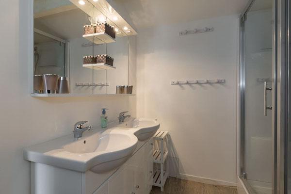 l hirondelle-bedoin-mont ventoux-3chambres-3 salle de bain privée-4 wc-gite-vaucluse-rando-velo
