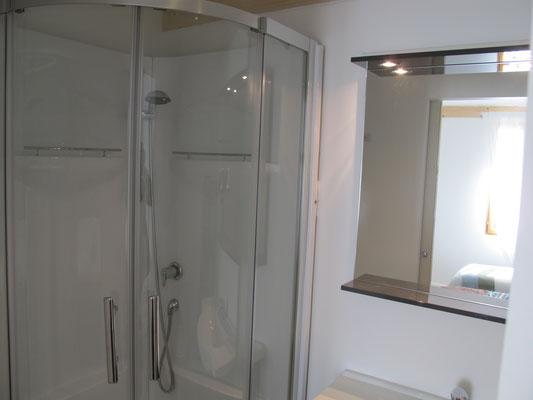 l hirondelle-bedoin-mont ventoux-3chambres-3 salle de bain privée-vacances-rando-famille-gite-vaucluse-rando