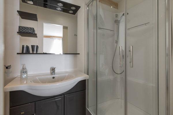 l hirondelle-bedoin-mont ventoux-gite-tout confort-3 salle de bain- 3 chambres-8 personnes-vaucluse-provence