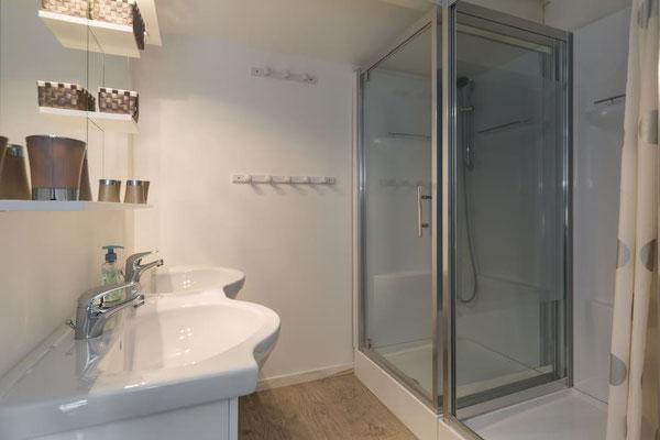 l hirondelle-bedoin-mont ventoux-3chambres-3 salle de bain privée-4 wc-gite-vaucluse-rando