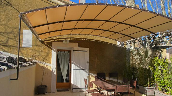 l hirondelle-bedoin-mont ventoux-gite-tout equipée-vaucluse-terrasse-rando