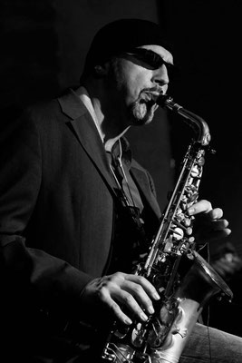 Alex Saxophon live