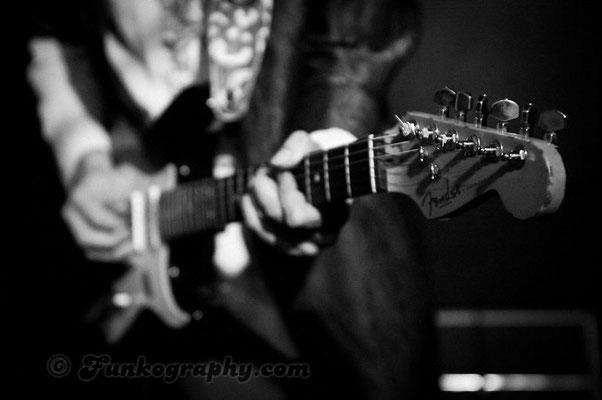 Hechi Gitarrist