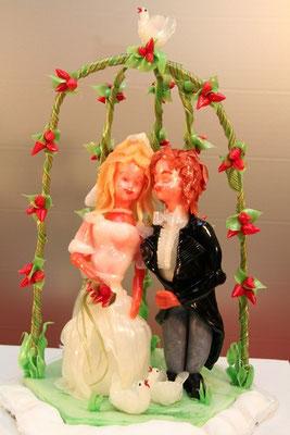 Seidenzucker Hochzeitspaar Rosenbogen